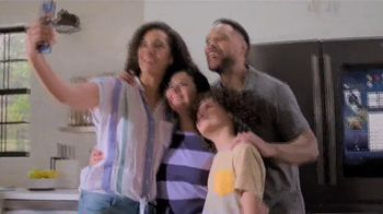 Lowe's TV Spot, 'Save the Best for Last: Samsung Family Hub' - Thumbnail 5