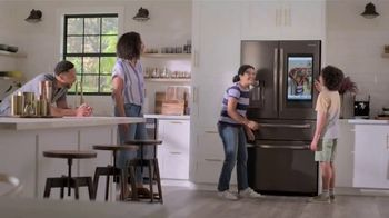 Lowe's TV Spot, 'Save the Best for Last: Samsung Family Hub' - Thumbnail 7