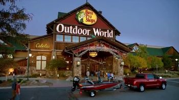Bass Pro Shops Star Spangled Summer Sale TV Spot, 'Yard Spools and Shorts' - Thumbnail 3