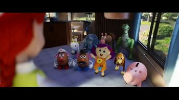 Toy Story 4 Family Vacation Sweepstakes TV Spot, 'Pack Your Bags' - Thumbnail 7