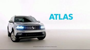 2019 Volkswagen Tiguan TV Spot, 'A Lot to Smile About: Standard Features' Song by NVDES [T2] - Thumbnail 1