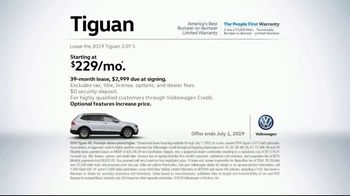 2019 Volkswagen Tiguan TV Spot, 'A Lot to Smile About: Standard Features' Song by NVDES [T2] - Thumbnail 8