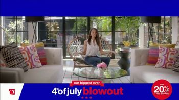 Overstock.com 4th of July Blowout TV Spot, 'Table Runner' - Thumbnail 7