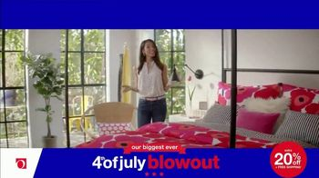 Overstock.com 4th of July Blowout TV Spot, 'Table Runner' - Thumbnail 9