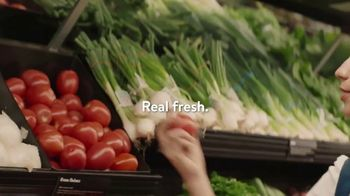 Walmart  Grocery App TV Spot, 'Add More Sizzle to Your Summer' Song by Bomba Estéreo - Thumbnail 2