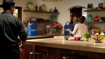 Walmart  Grocery App TV Spot, 'Add More Sizzle to Your Summer' Song by Bomba Estéreo - Thumbnail 4