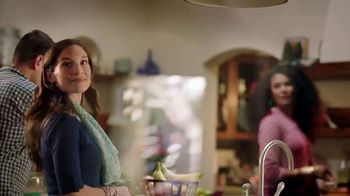 Walmart  Grocery App TV Spot, 'Add More Sizzle to Your Summer' Song by Bomba Estéreo - Thumbnail 8