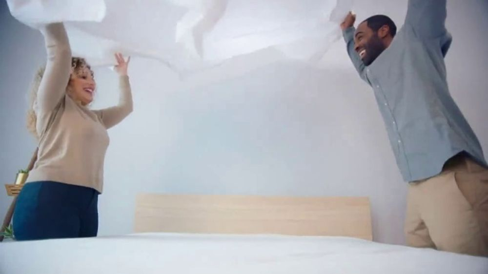 Mattress Firm 4th of July Sale TV Commercial, 'Free, Free, Free Event'