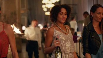 Kim Crawford Sauvignon Blanc TV Spot, 'Liquid Gold' Song by LOLO - Thumbnail 4