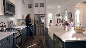 The Home Depot TV Spot, 'Fuel Your Team: Samsung Family Hub Kitchen' - Thumbnail 8