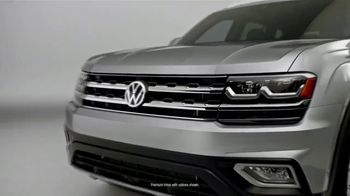 Volkswagen TV Spot, 'Bumper-to-Bumper' Song by NVDES [T2] - Thumbnail 1