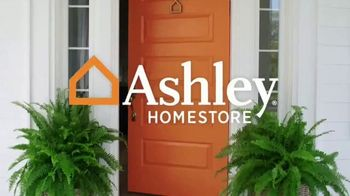 Ashley HomeStore Stars & Stripes Event TV Spot, 'Sectional, Queen Bed and Dining Table' - Thumbnail 1