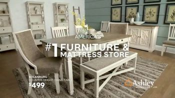 Ashley HomeStore Stars & Stripes Event TV Spot, 'Sectional, Queen Bed and Dining Table' - Thumbnail 8