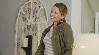Ashley HomeStore Stars & Stripes Event TV Spot, 'Sectional, Queen Bed and Dining Table' - Thumbnail 6