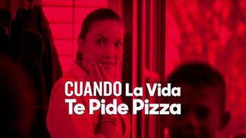 Pizza Hut $5.99 Large 2-Topping Pizza TV Spot, 'Pide pizza' [Spanish] - Thumbnail 3