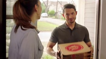 Pizza Hut $5.99 Large 2-Topping Pizza TV Spot, 'Pide pizza' [Spanish] - Thumbnail 4