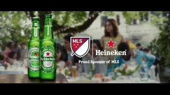 Heineken TV Spot, 'Unmissable: Wedding' Song by Aerosmith - Thumbnail 7