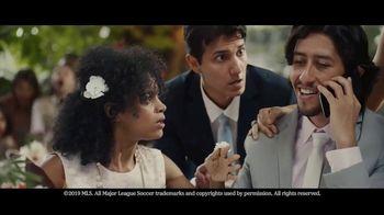 Heineken TV Spot, 'Unmissable: Wedding' Song by Aerosmith - Thumbnail 4