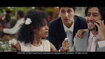 Heineken TV Spot, 'Unmissable: Wedding' Song by Aerosmith - Thumbnail 5