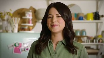Milk Life TV Spot, 'Cooking Channel: Homemade Hot Chocolate' Featuring Molly Yeh - Thumbnail 10