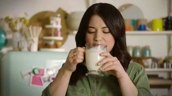 Milk Life TV Spot, 'Cooking Channel: Homemade Hot Chocolate' Featuring Molly Yeh - Thumbnail 9