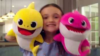 Pinkfong Baby Shark Puppets TV Spot, 'Baby Shark Puppets Sing Fast and Slow' Song by Pinkfong - Thumbnail 2
