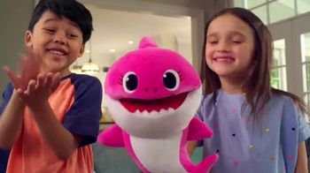 Pinkfong Baby Shark Puppets TV Spot, 'Baby Shark Puppets Sing Fast and Slow' Song by Pinkfong - Thumbnail 4