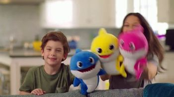 Pinkfong Baby Shark Puppets TV Spot, 'Baby Shark Puppets Sing Fast and Slow' Song by Pinkfong - Thumbnail 7