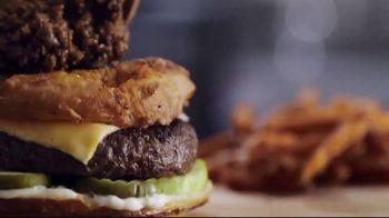 Cotton Patch Cafe TV Spot, 'Summer Grillin' Menu: Nacogdoches Burger' - Thumbnail 6