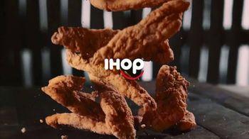 IHOP Chicken and Pancakes TV Spot, 'Atención' [Spanish] - Thumbnail 1