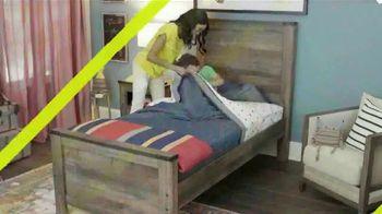 Ashley HomeStore Summer Sleep Sale TV Spot, 'Hope to Dream: Buy a Mattress, Give a Mattress' - Thumbnail 3