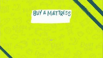 Ashley HomeStore Summer Sleep Sale TV Spot, 'Hope to Dream: Buy a Mattress, Give a Mattress' - Thumbnail 5
