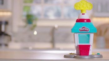 Play-Doh Kitchen Creations Popcorn Party TV Spot, 'The Party Pops' - Thumbnail 3