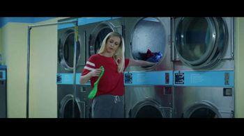 GEICO TV Spot, 'Matching Socks' - Thumbnail 2