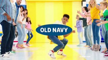 Old Navy TV Spot, 'El regreso a clases: estilos para niños y bebés' canción de Kaskade [Spanish] - Thumbnail 1