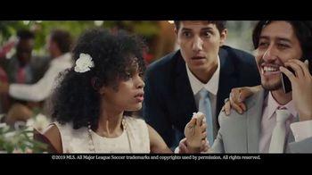 Heineken TV Spot, 'No te lo pierdas: boda' canción de Aerosmith [Spanish] - Thumbnail 6