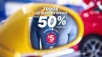 Old Navy Denim Try-On-A-Thon TV Spot, 'Entona tu look de verano: jeans' canción de Kaskade [Spanish] - Thumbnail 6