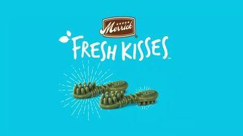 Merrick Pet Care Fresh Kisses Infused With Coconut + Botanic Oils TV Spot, 'Loving Moments' - Thumbnail 4