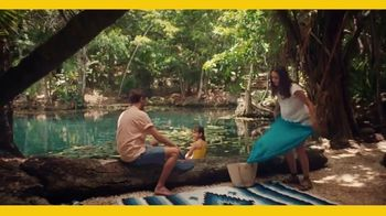 Expedia TV Spot, 'Moments We Share' - Thumbnail 4