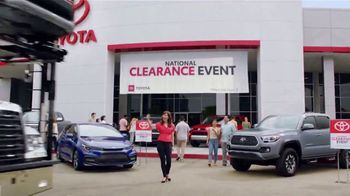 Toyota National Clearance Event TV Spot, 'Duet' [T2] - Thumbnail 3