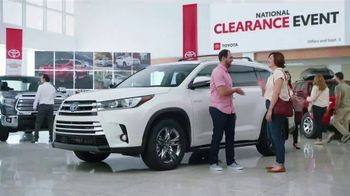 Toyota National Clearance Event TV Spot, 'Clap' Song by Fitz and the Tantrums [T2] - Thumbnail 4
