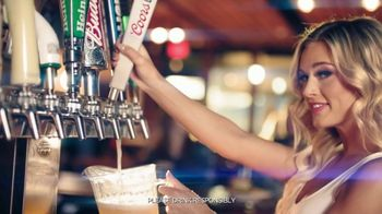 Hooters TV Spot, 'Confessions Millions' - Thumbnail 8