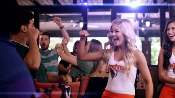 Hooters TV Spot, 'Confessions: Couple' - Thumbnail 5