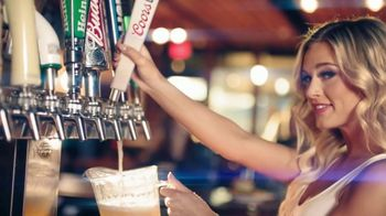 Hooters TV Spot, '2010 Confessions Free Delivery' - Thumbnail 4