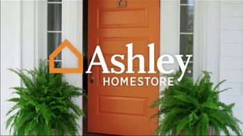 Ashley HomeStore Labor Day Sale TV Spot, 'Wrap Up Summer: 40% Off' Song by Midnight Riot - Thumbnail 1