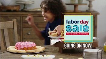 Ashley HomeStore Labor Day Sale TV Spot, 'Wrap Up Summer: 40% Off' Song by Midnight Riot - Thumbnail 2