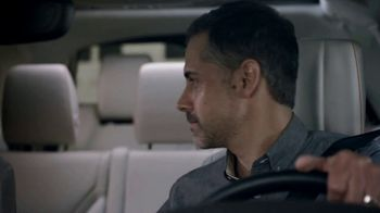 2019 Land Rover Discovery TV Spot, 'Optional Seat Fold: Hiding' [T2] - Thumbnail 5