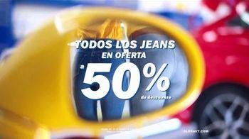 Old Navy Jeans TV Spot, 'Entona tu look de verano' canción de Kaskade [Spanish] - Thumbnail 6