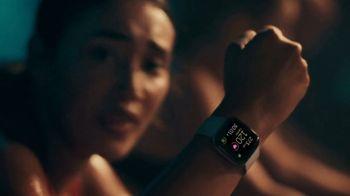 Fitbit Versa 2 TV Spot, 'Alexa & Fitness Tracking' - Thumbnail 3