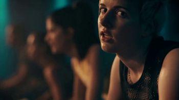 Fitbit Versa 2 TV Spot, 'Alexa & Fitness Tracking' - Thumbnail 4